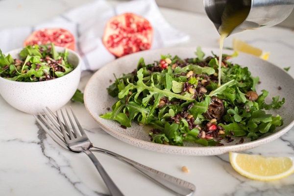 recipe image Wild Rice Salad with Rocket and Pomegranate