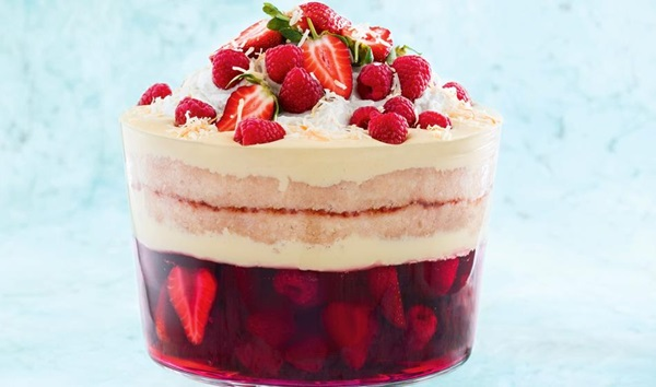 recipe image Berry and coconut christmas trifle